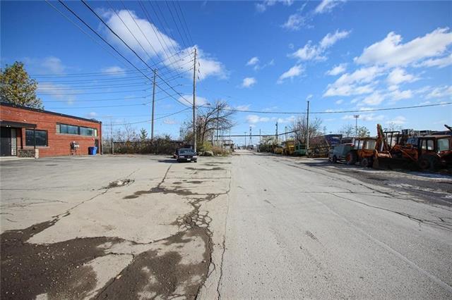 20 Lockport Avenue, Toronto 30790941
