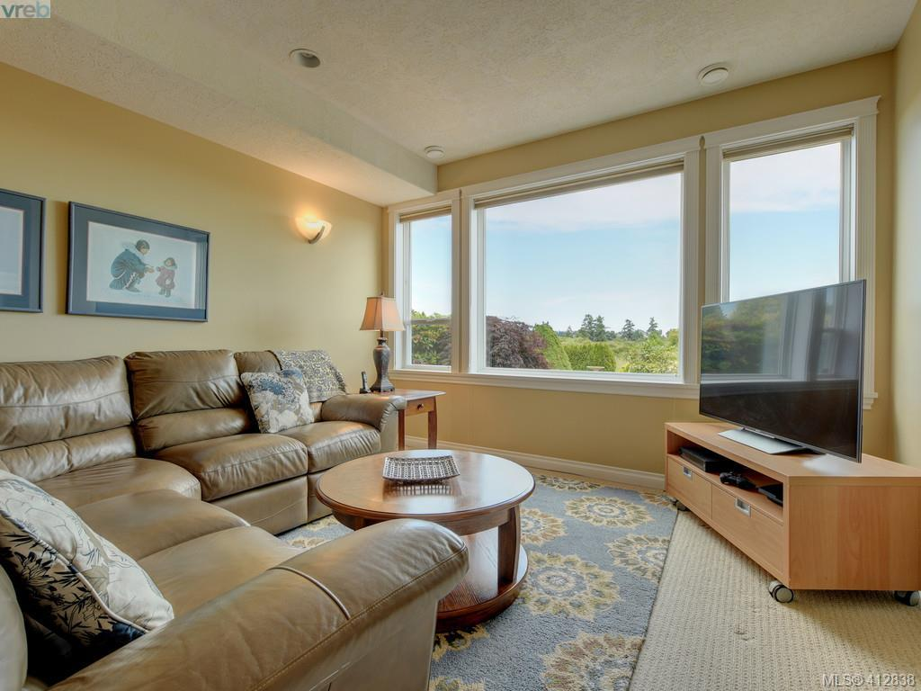 7013 Beach View Crt, Central Saanich 412838