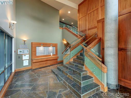 #801 - 847 Dunsmuir Rd, Esquimalt 420280