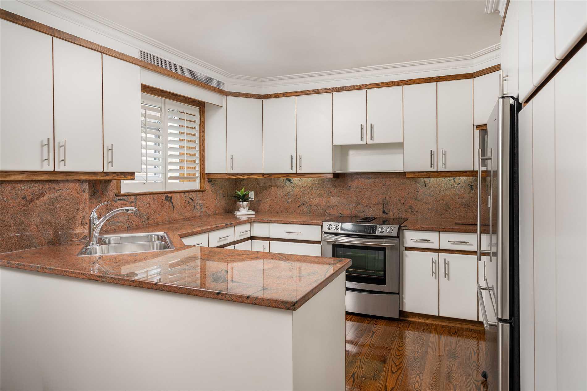 529 Spadina Rd, Toronto C4476799