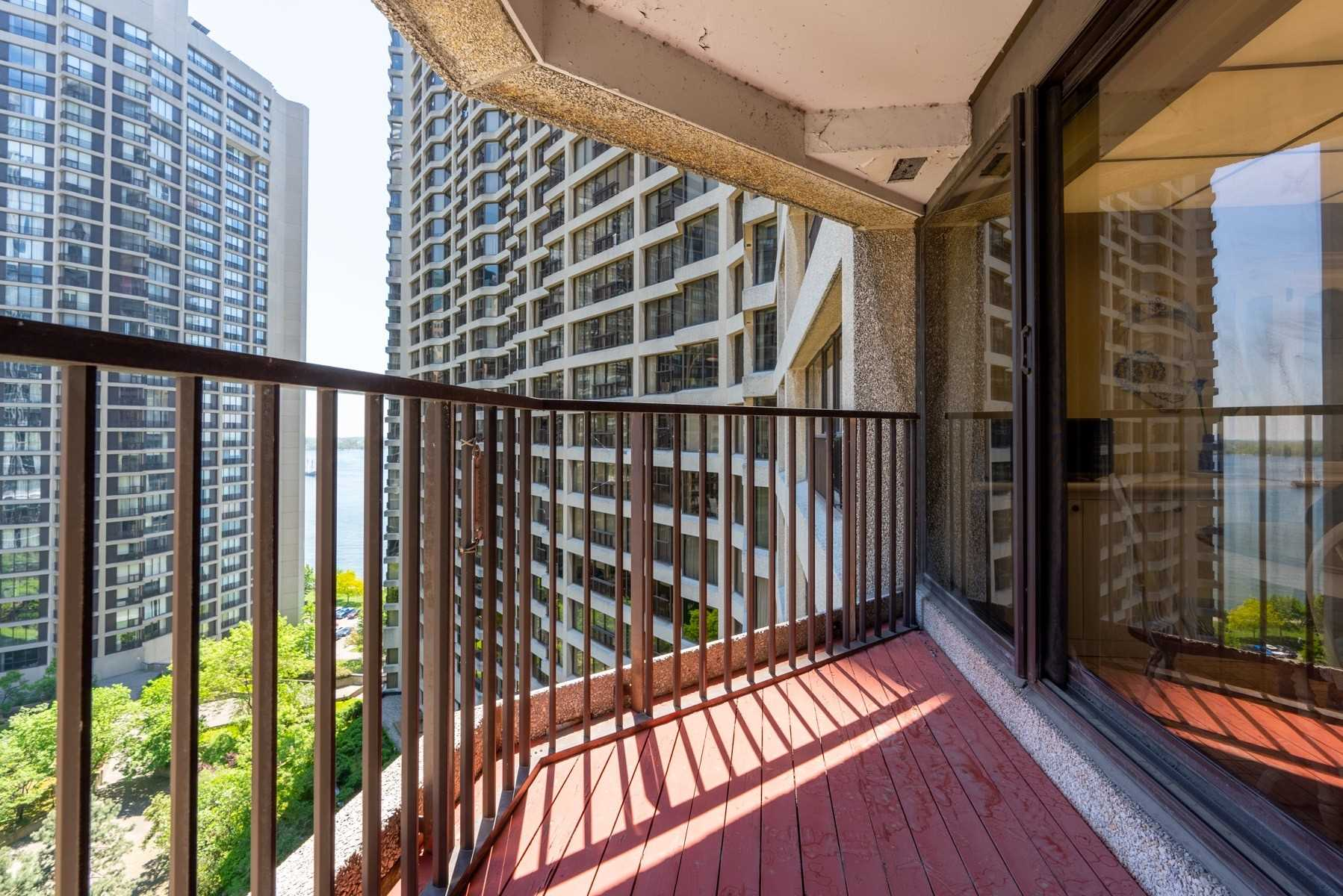 #1718 - 55 Harbour Sq, Toronto C4479763