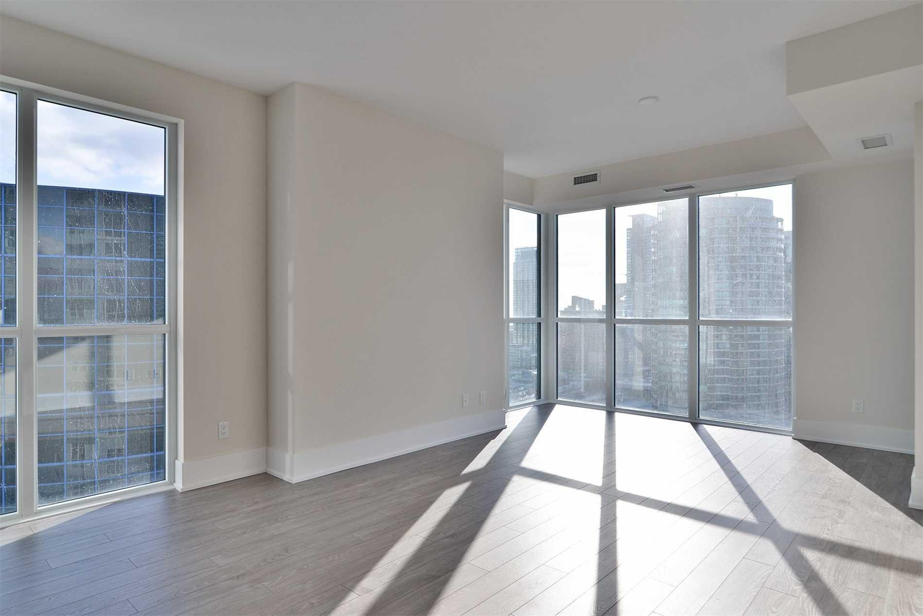#2012 - 300 Front St, Toronto C4483145
