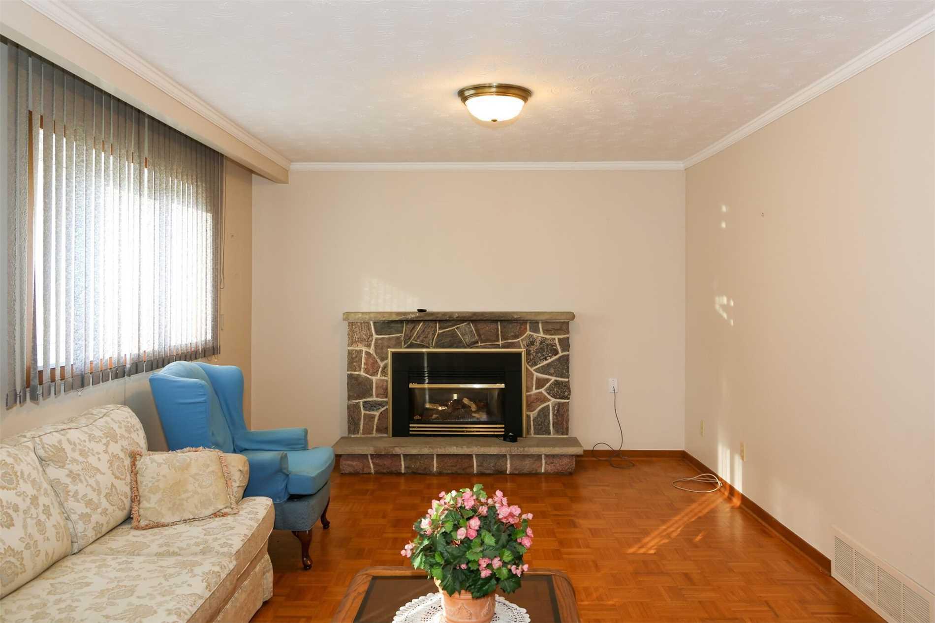 612 Van Horne Ave, Toronto C4508808