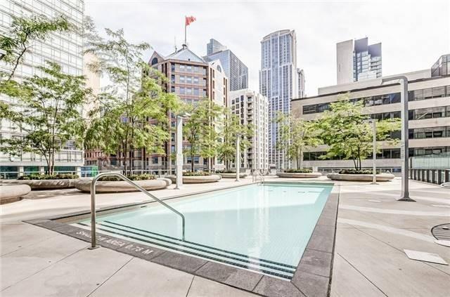 #1010 - 832 Bay St, Toronto C4522394