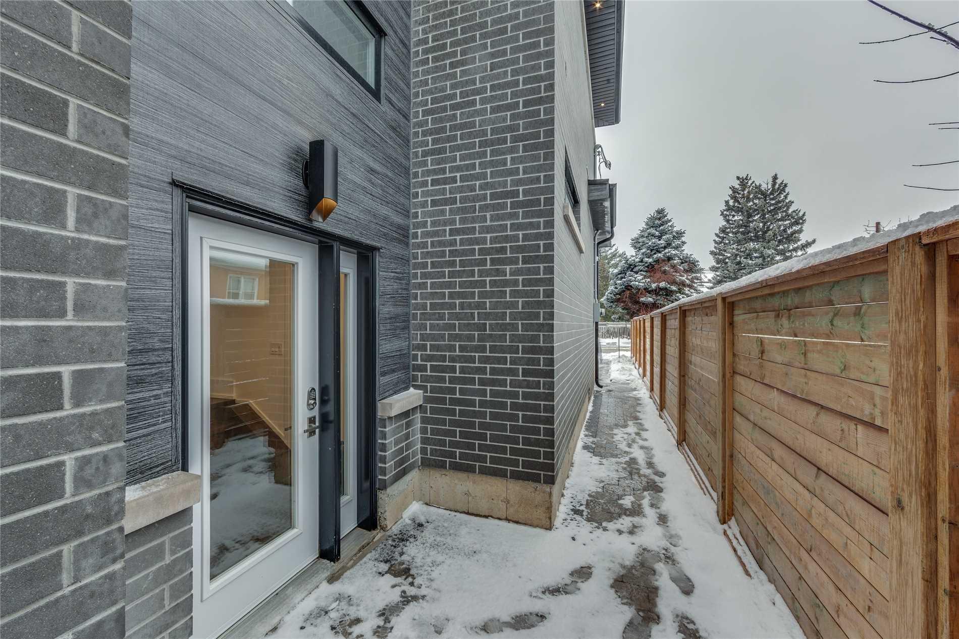 39 Ledbury St, Toronto C4550756