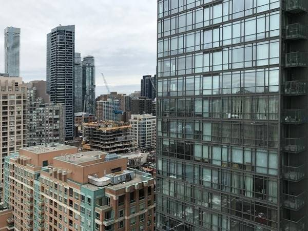 #2307 - 832 Bay St, Toronto C4554255