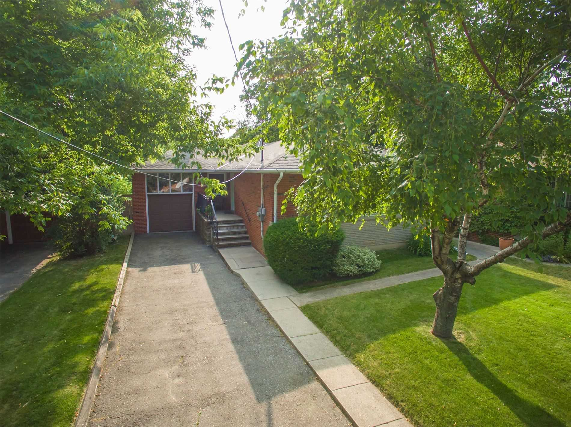 8 Millgate Cres, Toronto C4570168