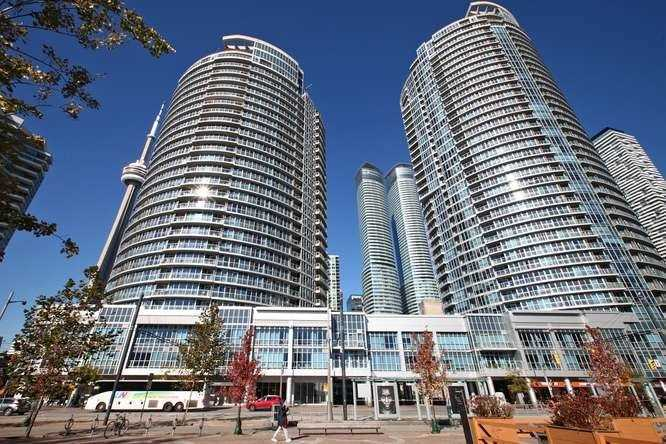 #2303 - 218 Queens Quay W, Toronto C4574185