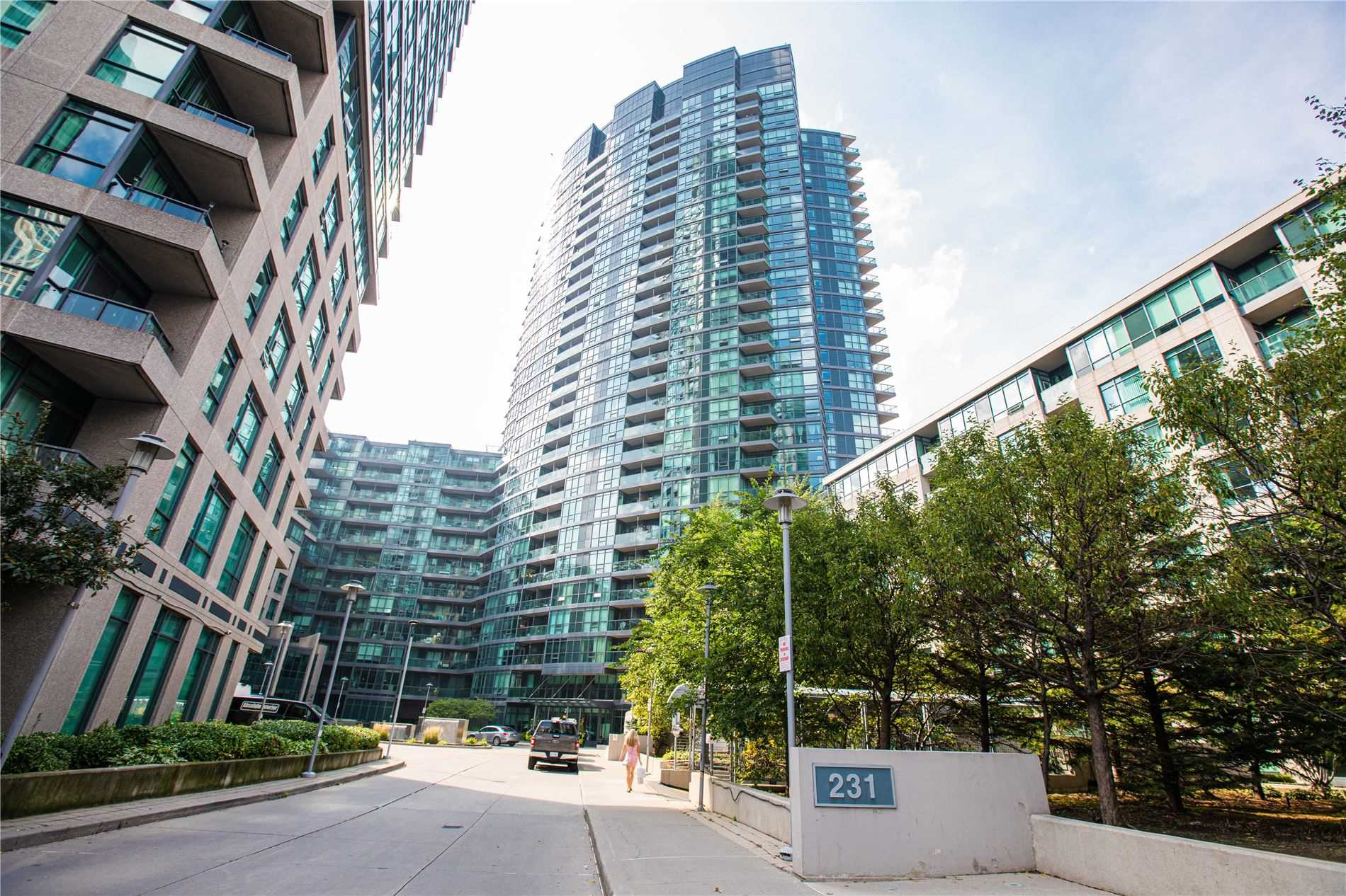 2712-231-fort-york-blvd