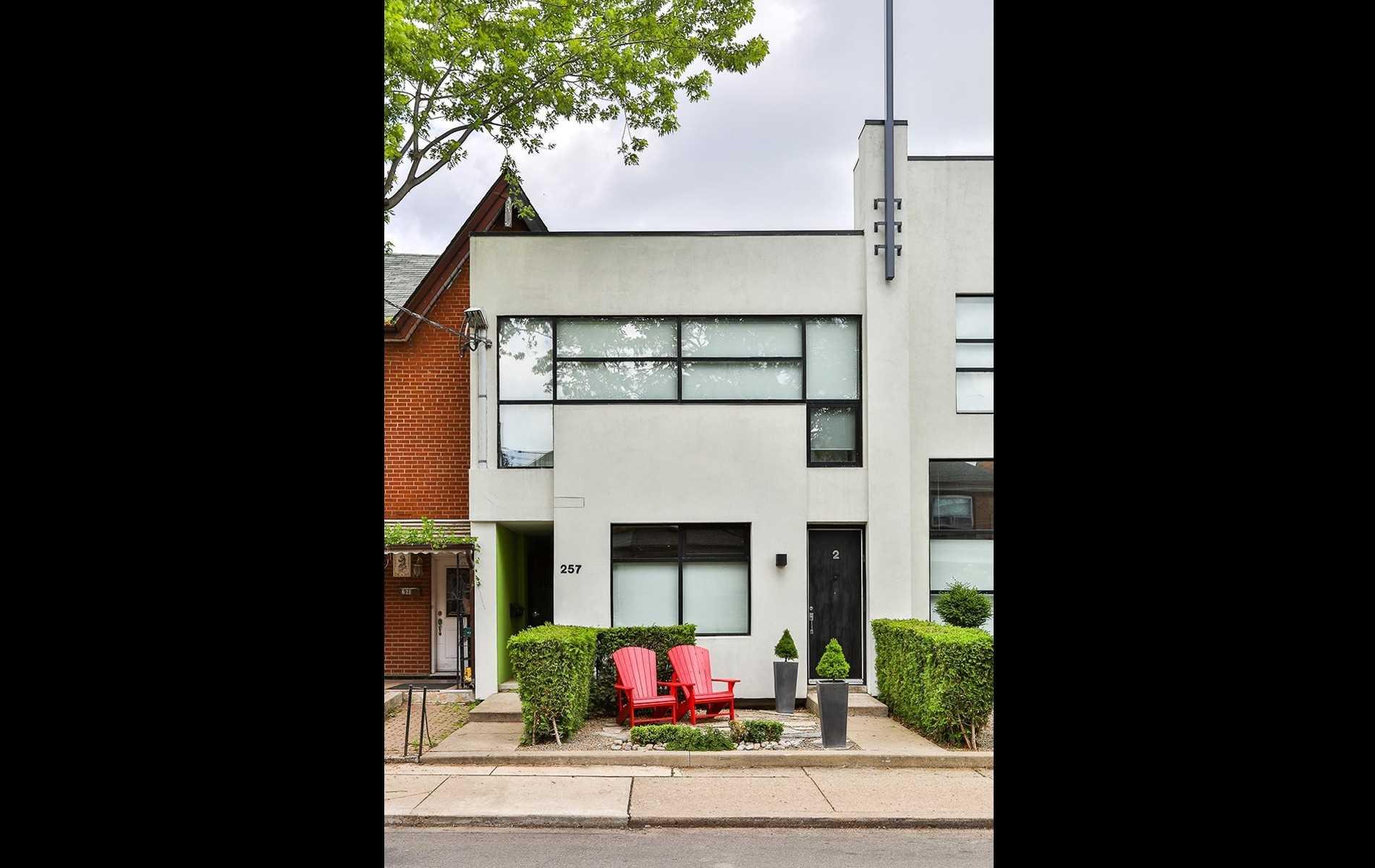 #2 - 257 Euclid Ave, Toronto C4581019