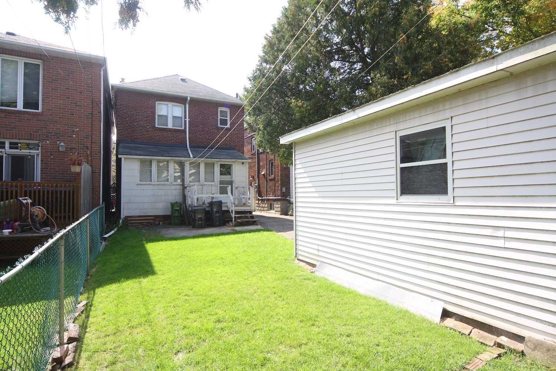 166 Lawrence Ave W, Toronto C4586058