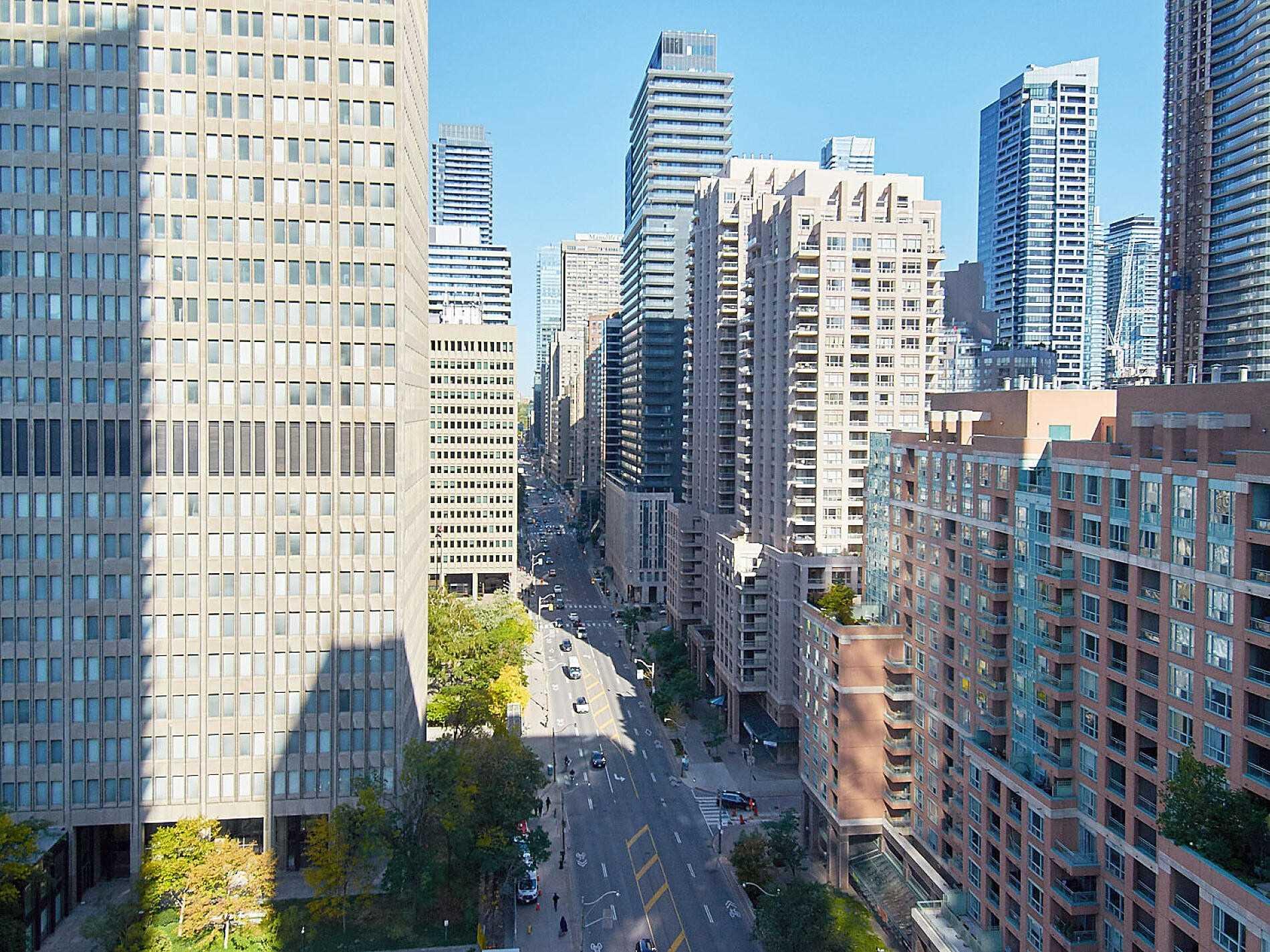 #1605 - 832 Bay St, Toronto C4617399