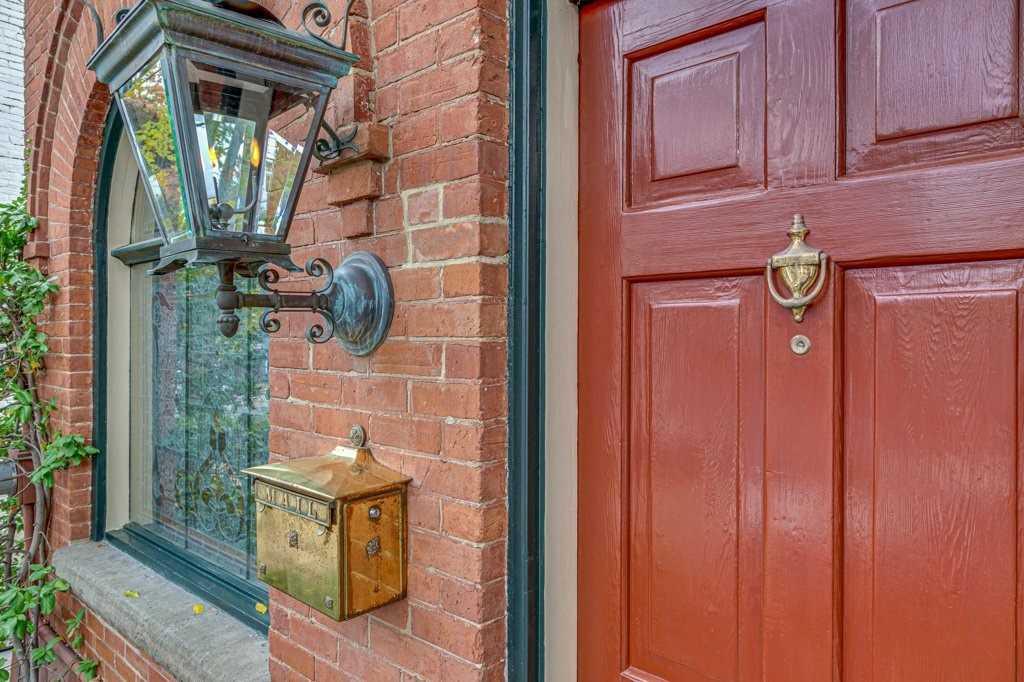 485 Sackville St, Toronto C4619380