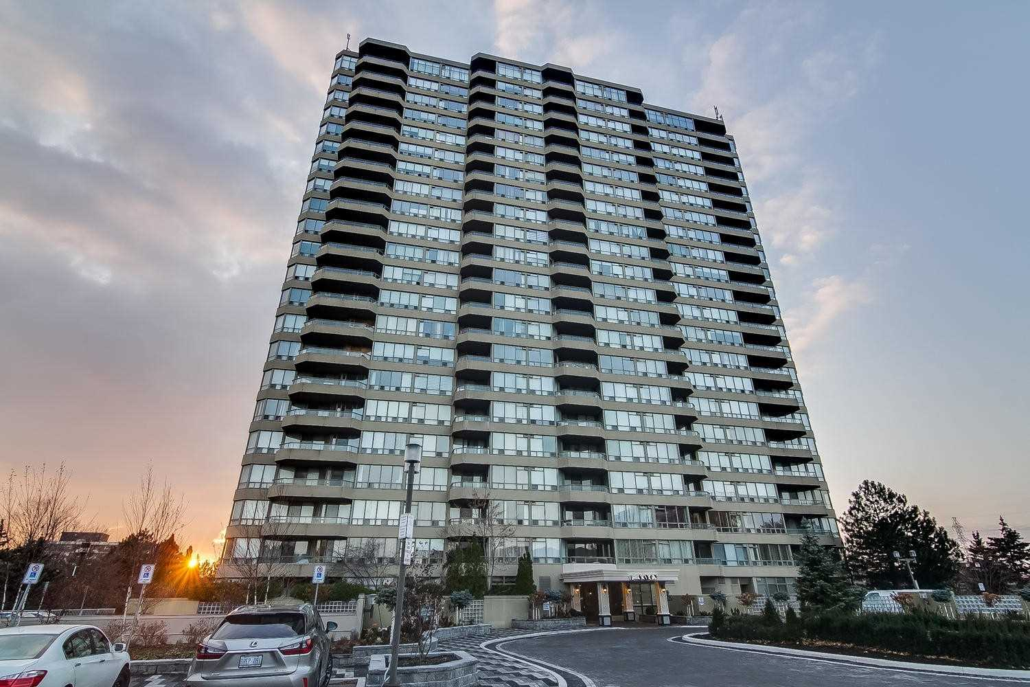 2108-10-torresdale-ave