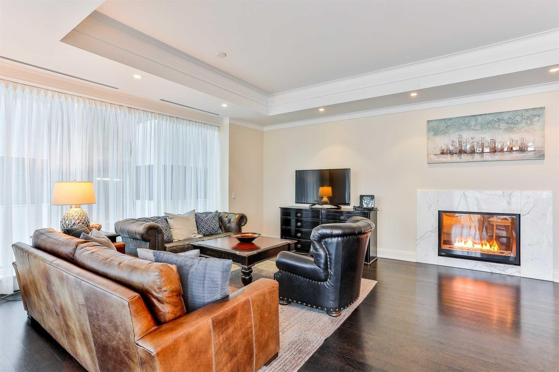 #801 - 206 Bloor St W, Toronto C4641483