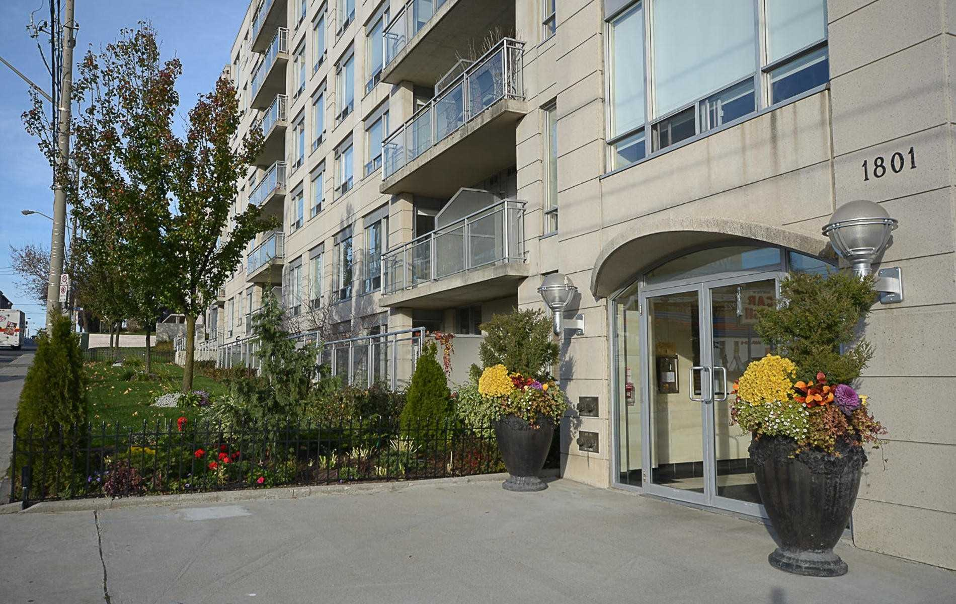 107-1801-bayview-ave
