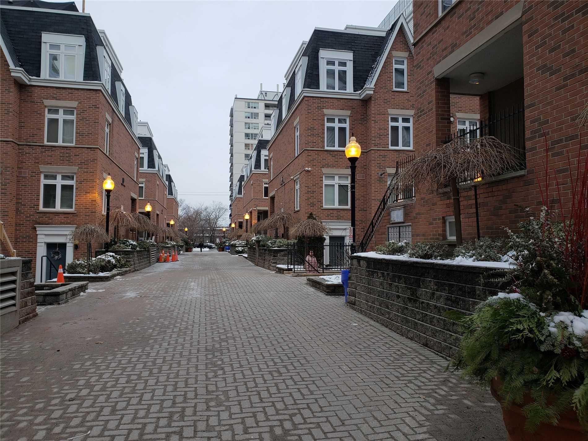 #Th 8 - 83 Lillian St, Toronto C4665915
