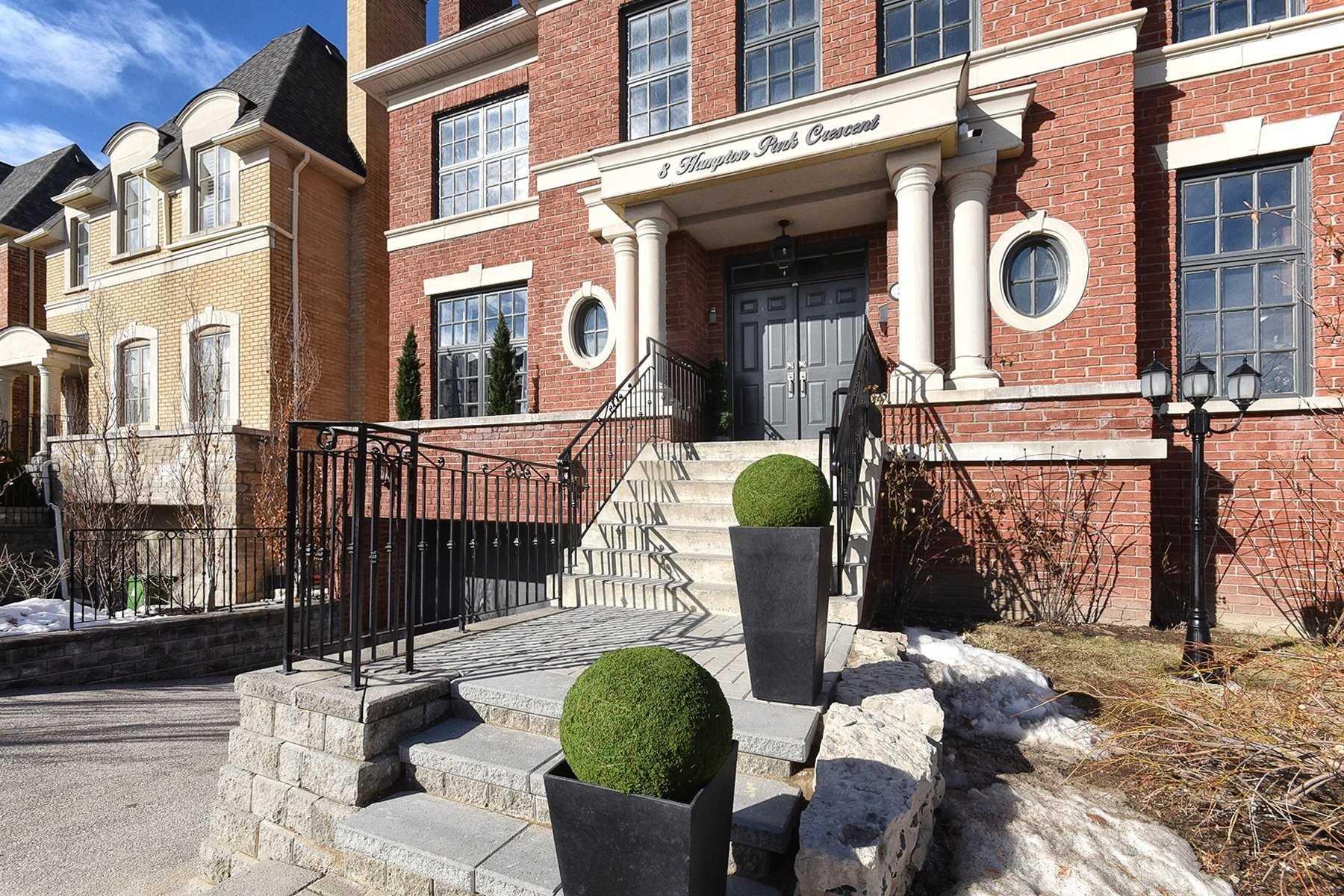 8 Hampton Park Cres, Toronto C4687573