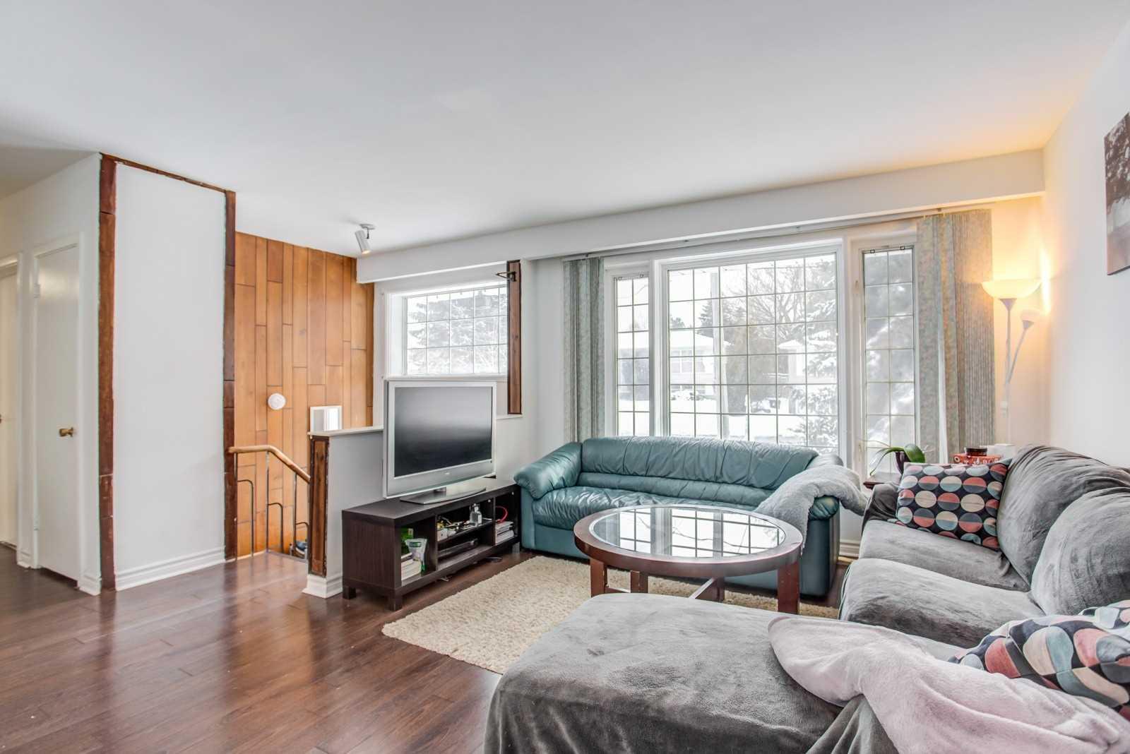 4 Burleigh Heights Dr, Toronto C4691605