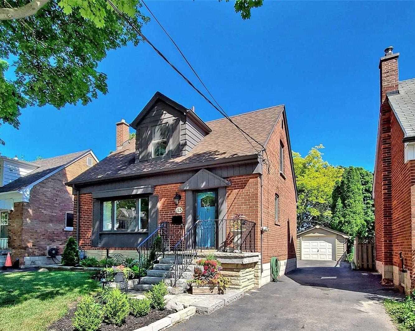 115 Leacrest Rd, Toronto, M4G1E7
