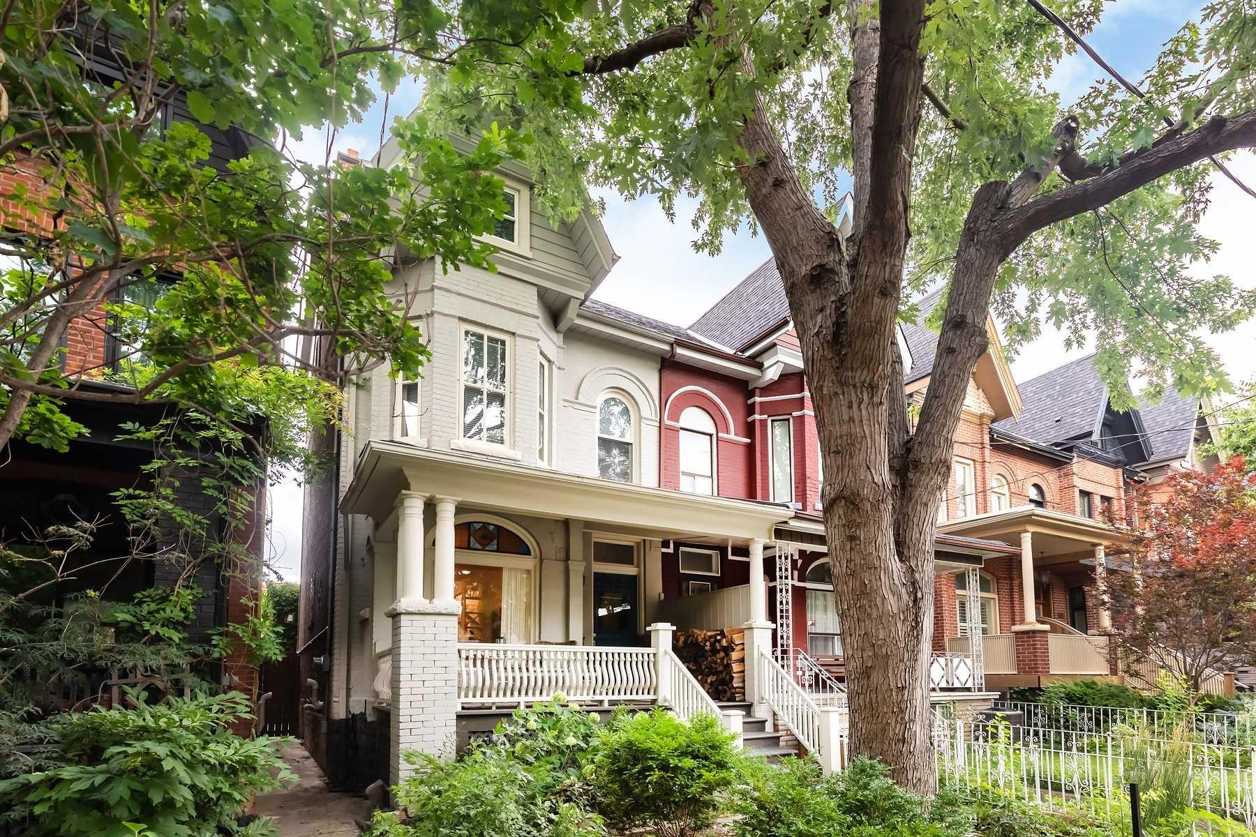 134 Crawford St, Toronto, M6J2V4
