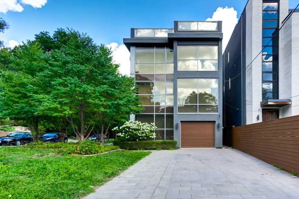 22 Cottingham Rd, Toronto, M4V1B2