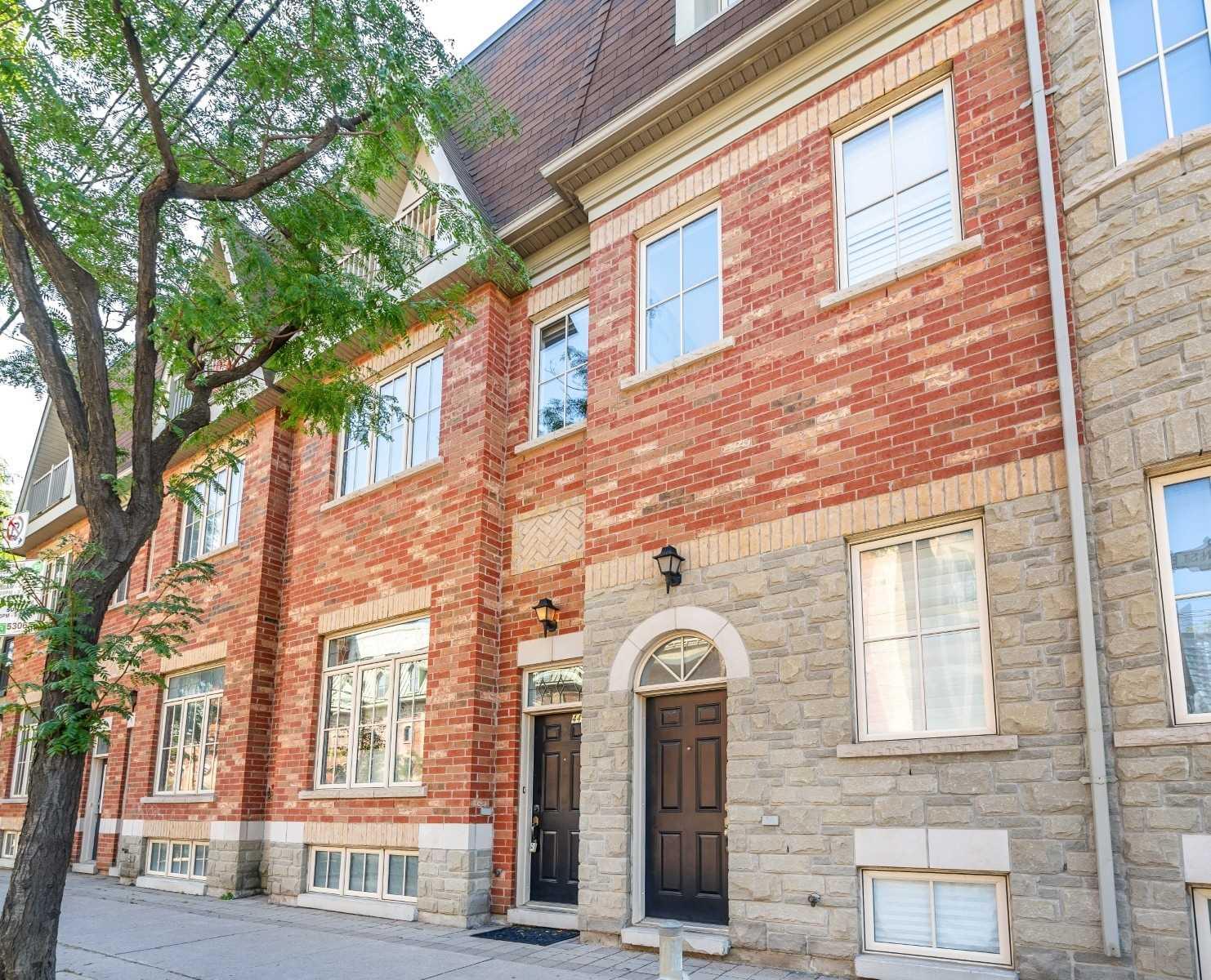 116 - 443B Queen St, Toronto, M5A 1T6
