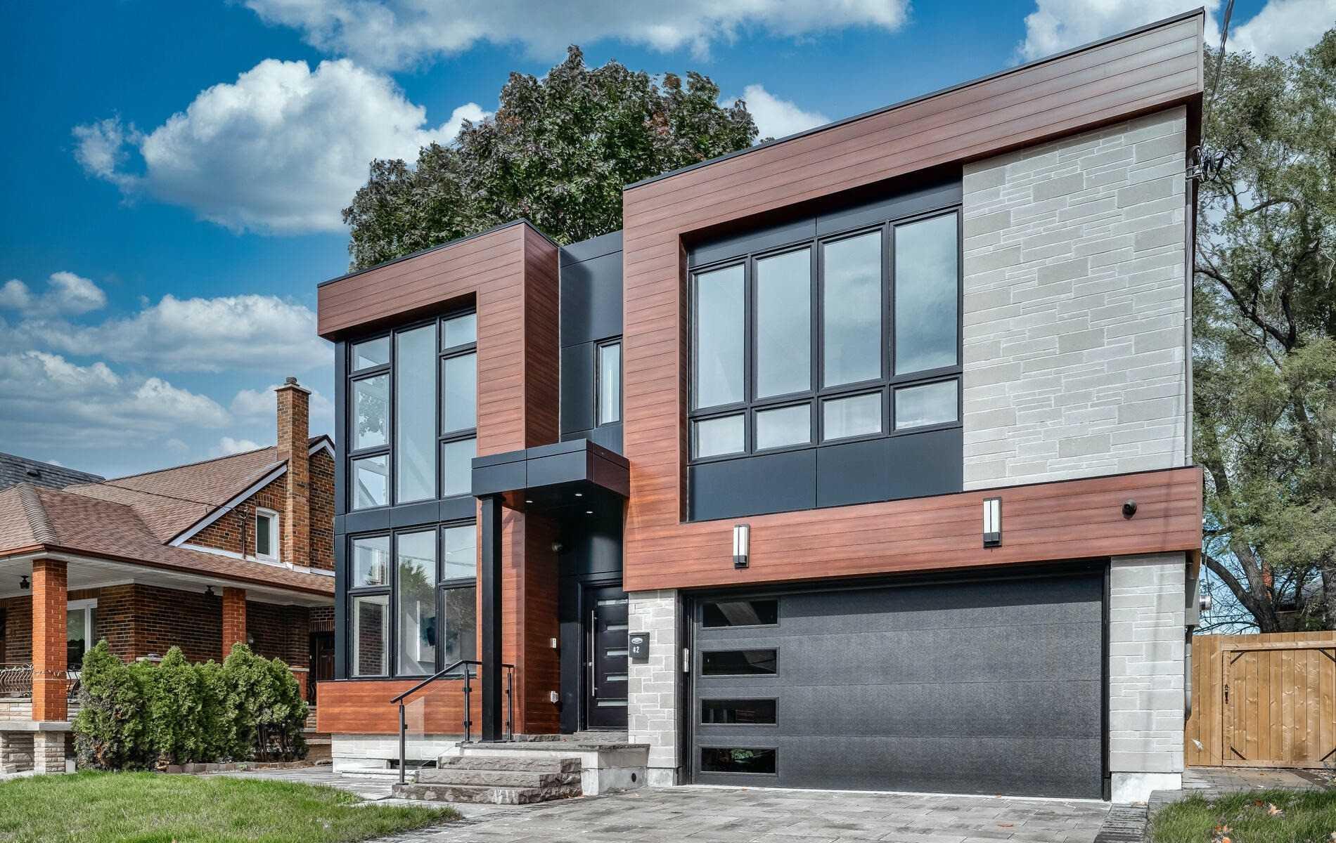 42 Fairholme Ave, Toronto, M6B2W6