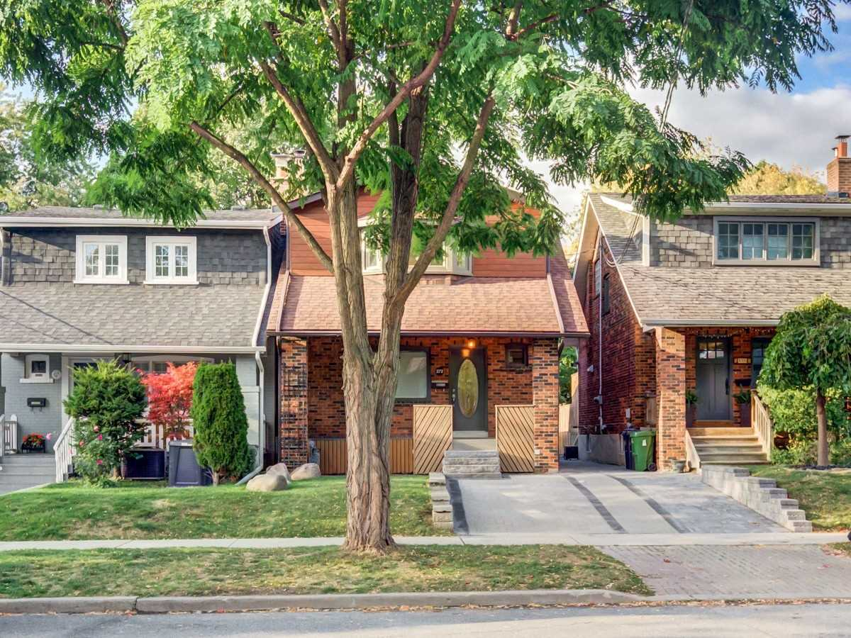 272 St Clements Ave, Toronto, M4R1H5