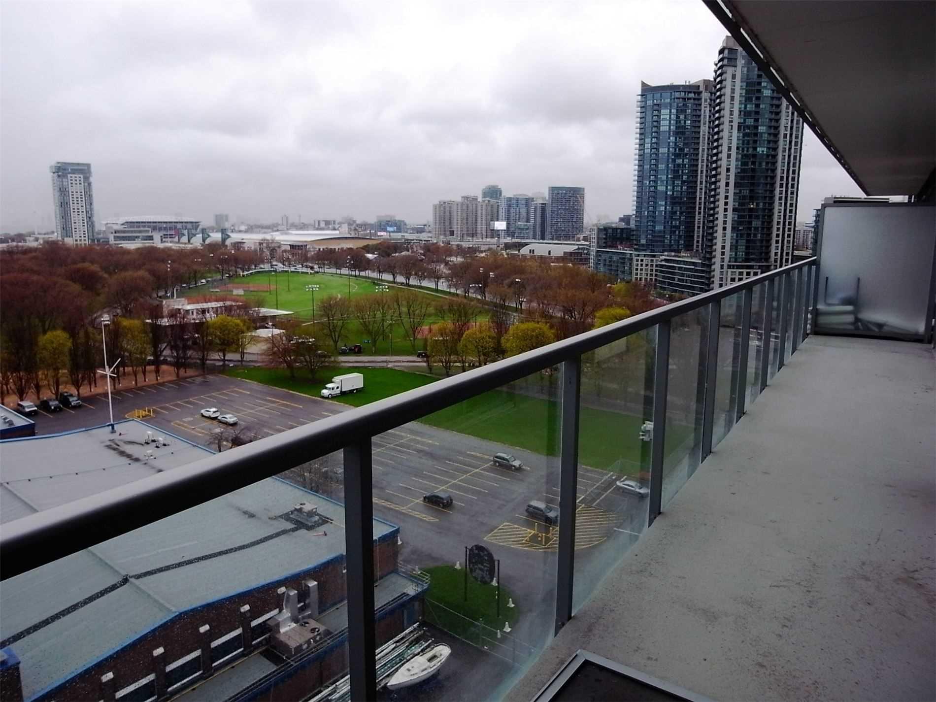 1204 - 90 Stadium Rd, Toronto, M5V3W5
