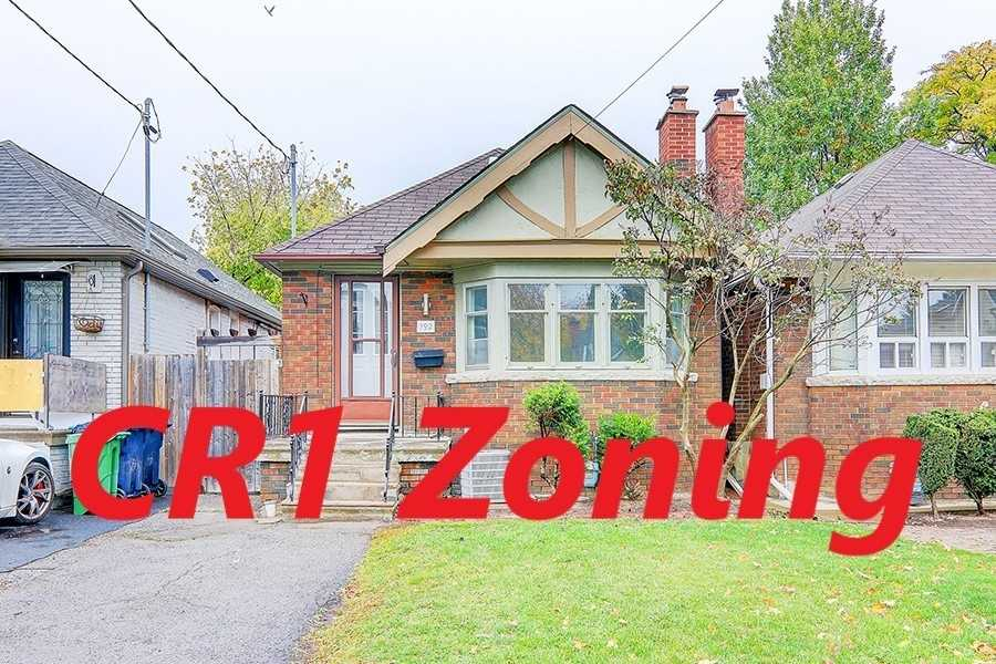 192 Roe Ave, Toronto, M5M2J2