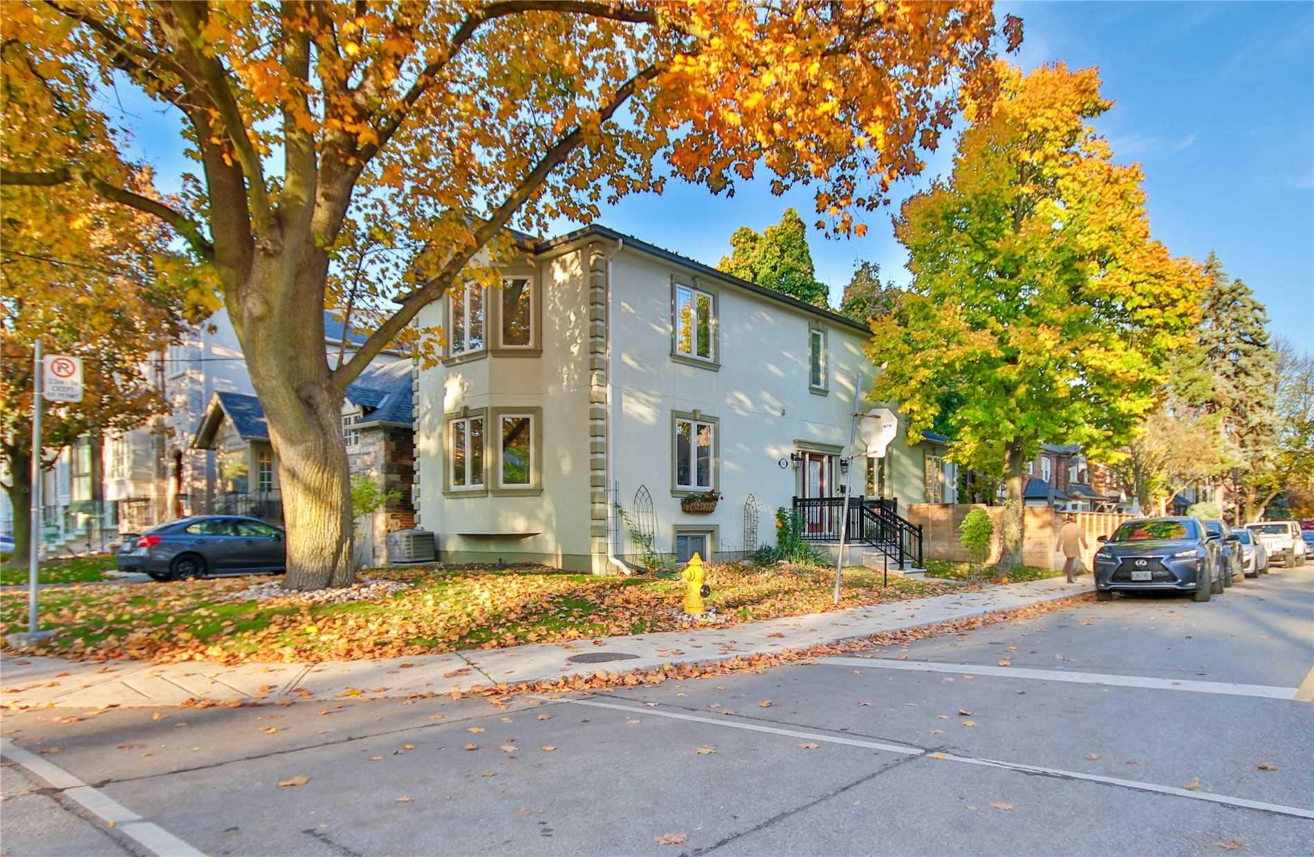 383 Elm Rd, Toronto, M5M3V9