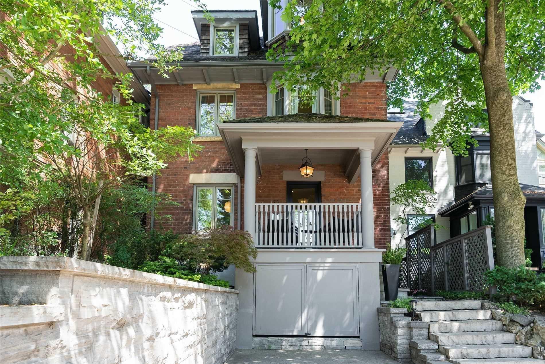 32 Edgewood Cres, Toronto, M4W3A9
