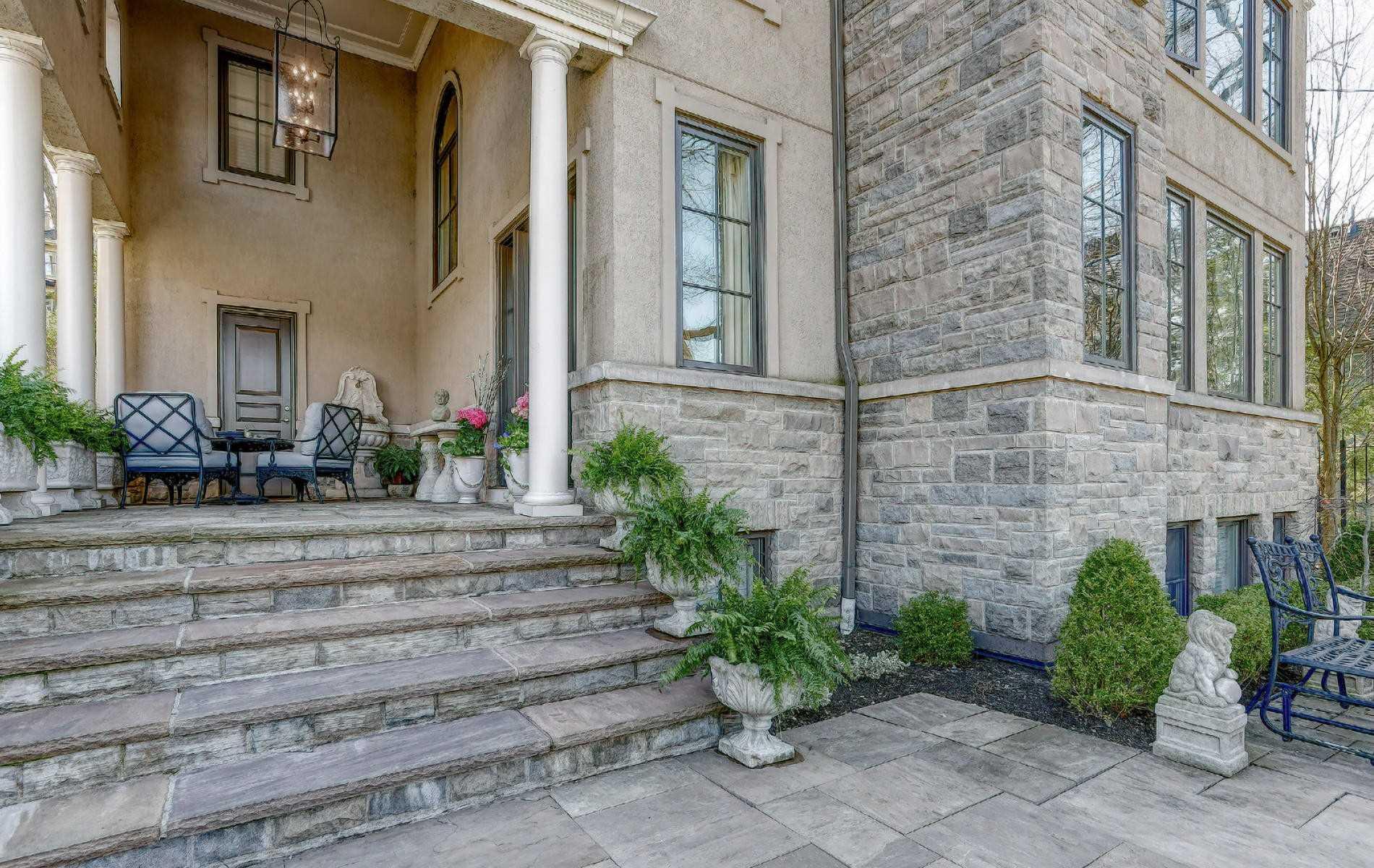 275 Glen Manor Dr E, Toronto E4432358