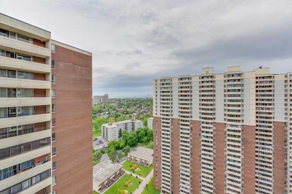 #2704 - 5 Massey Sq, Toronto E4477447