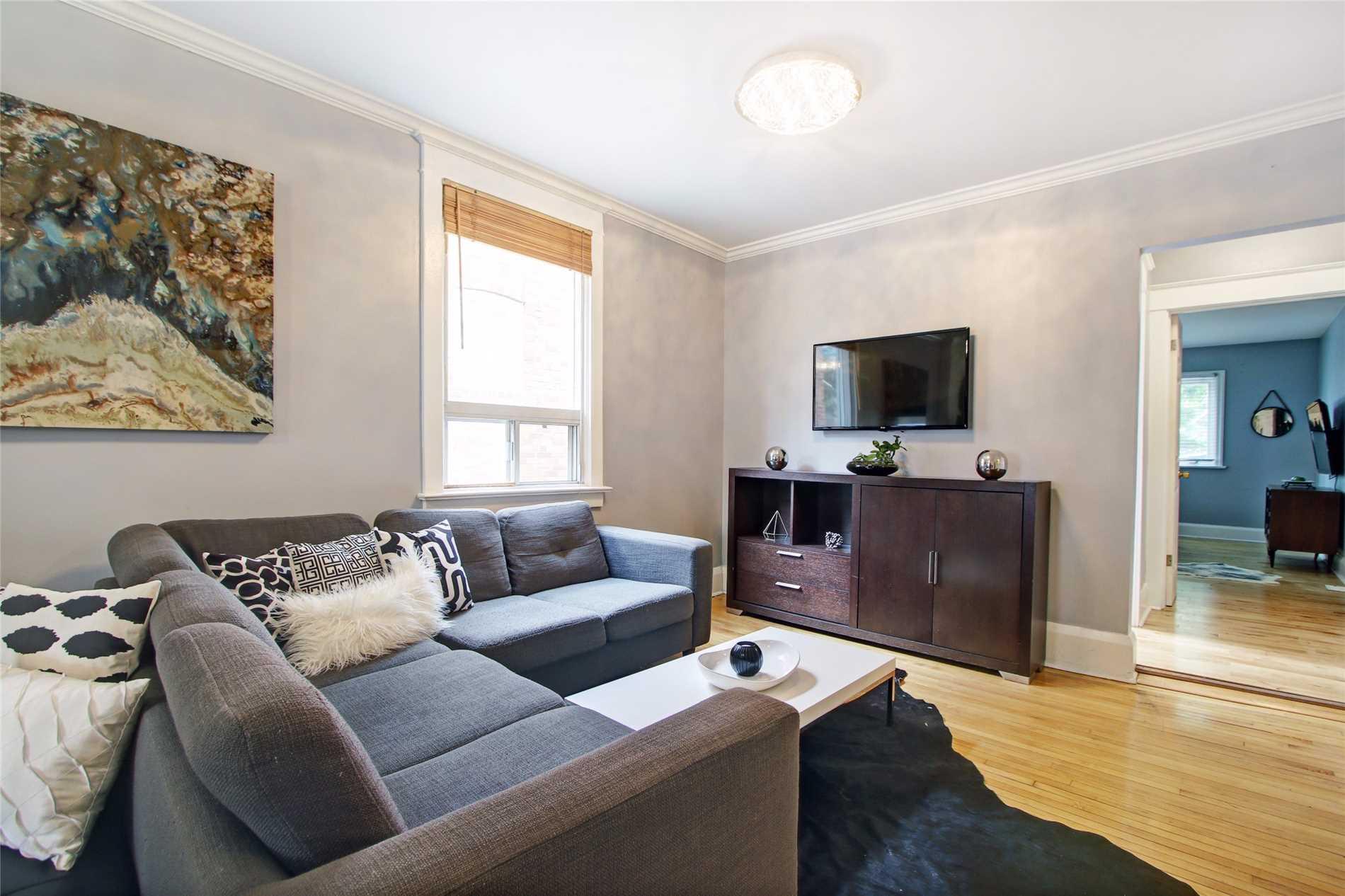 59  Valhalla Blvd, Toronto E4517066