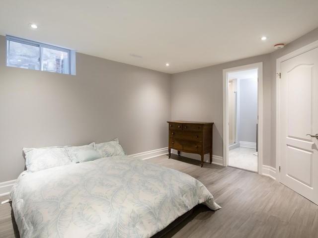 26 Saunders Rd, Toronto E4542796