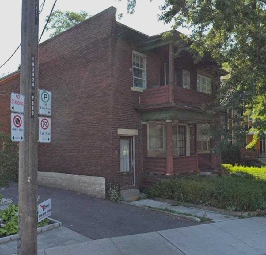 885&887 Broadview Ave, Toronto E4544577