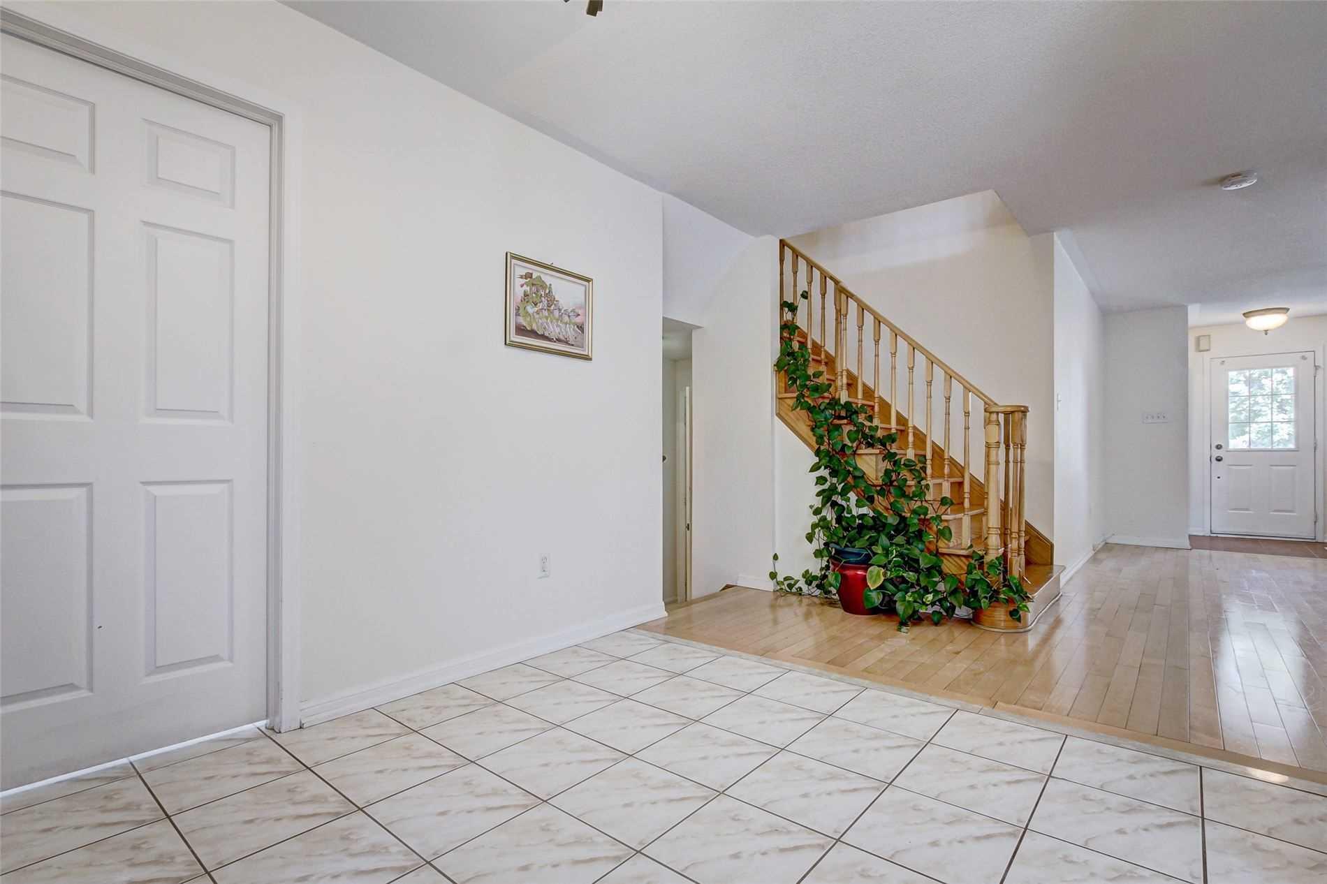 1589 Sarasota Cres, Oshawa E4552736