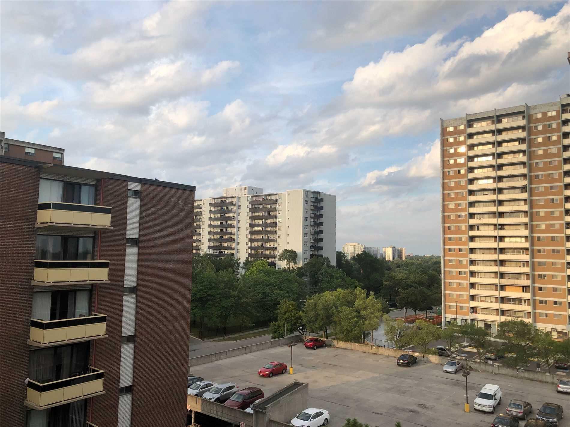 #611 - 915 Midland Ave, Toronto E4563908