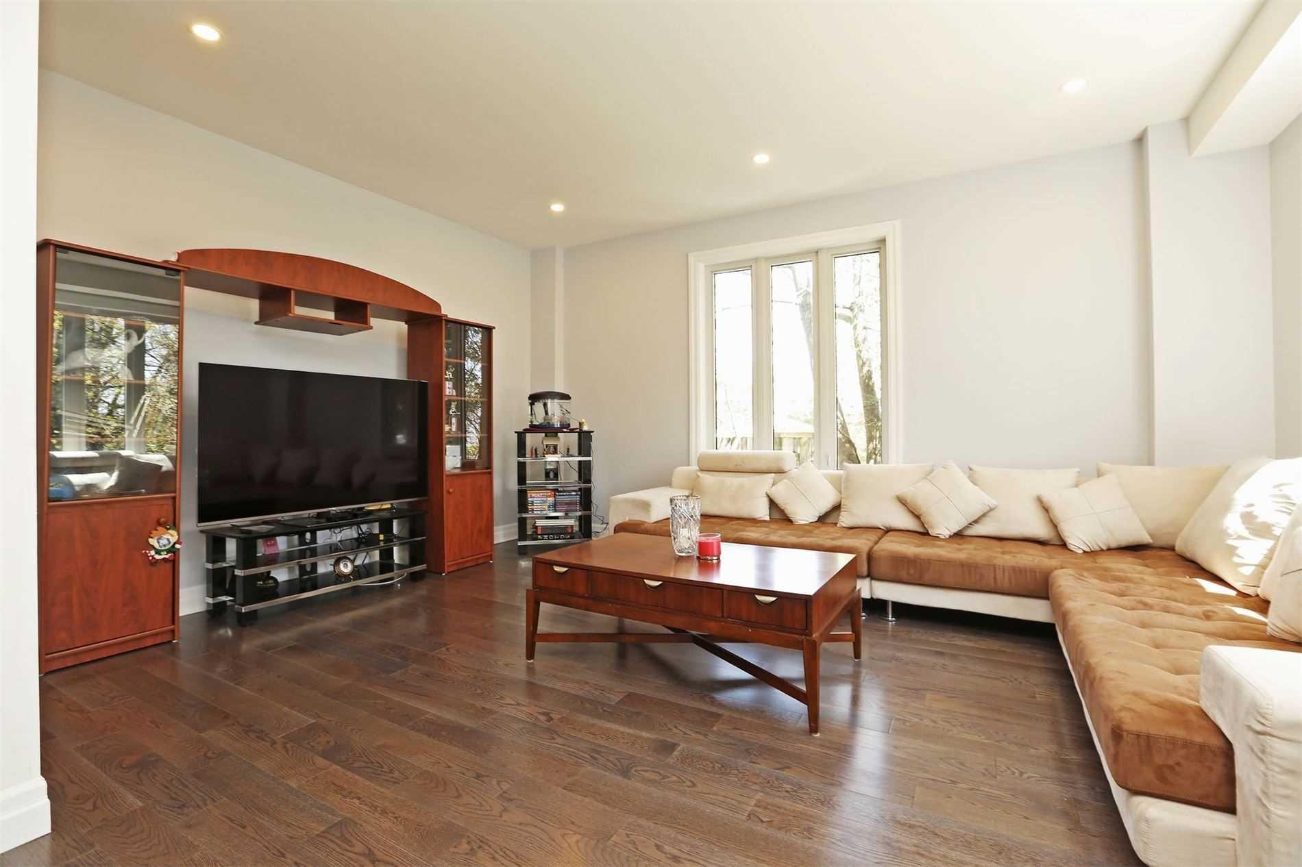 181 Phyllis Ave, Toronto E4564558