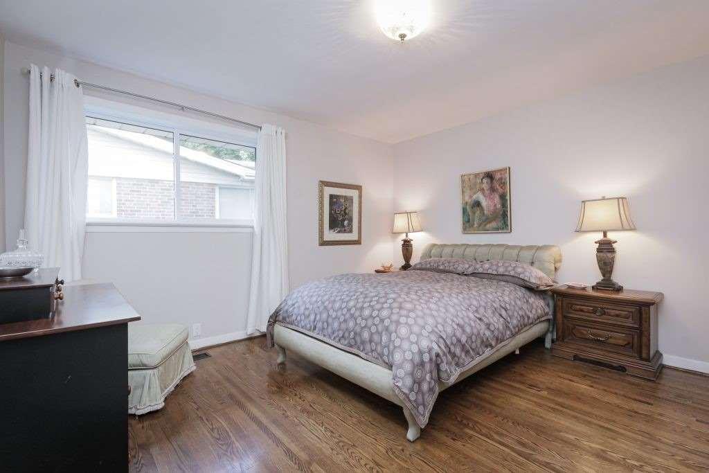 12 Landfair Cres, Toronto E4564857