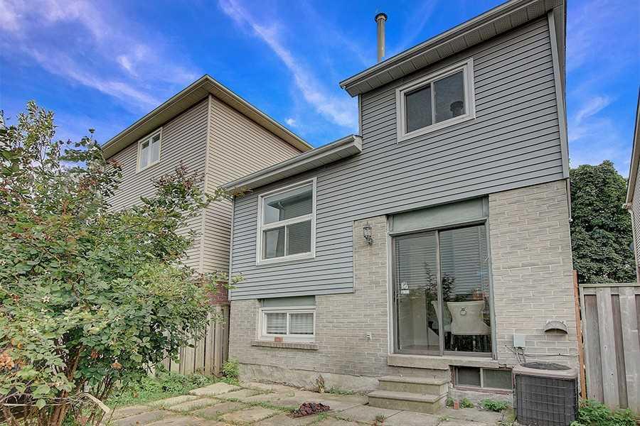 14 Crown Acres Crt, Toronto E4564961
