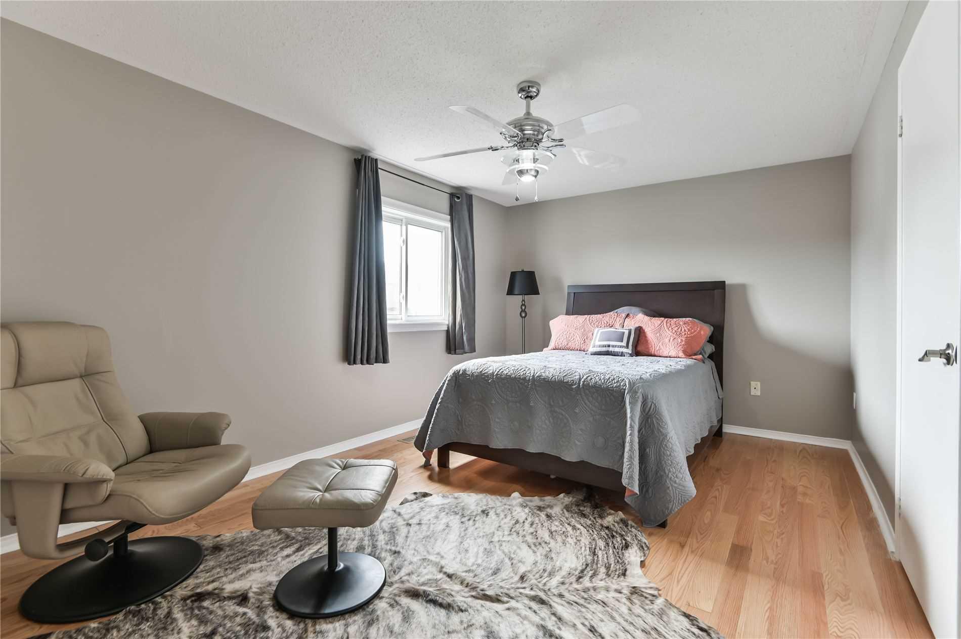 19 Cameron Glen Blvd, Toronto E4565226