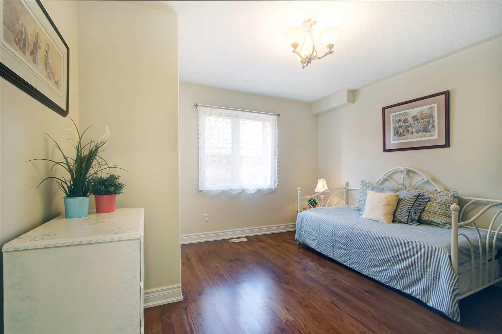27 Presteign Ave, Toronto E4583317