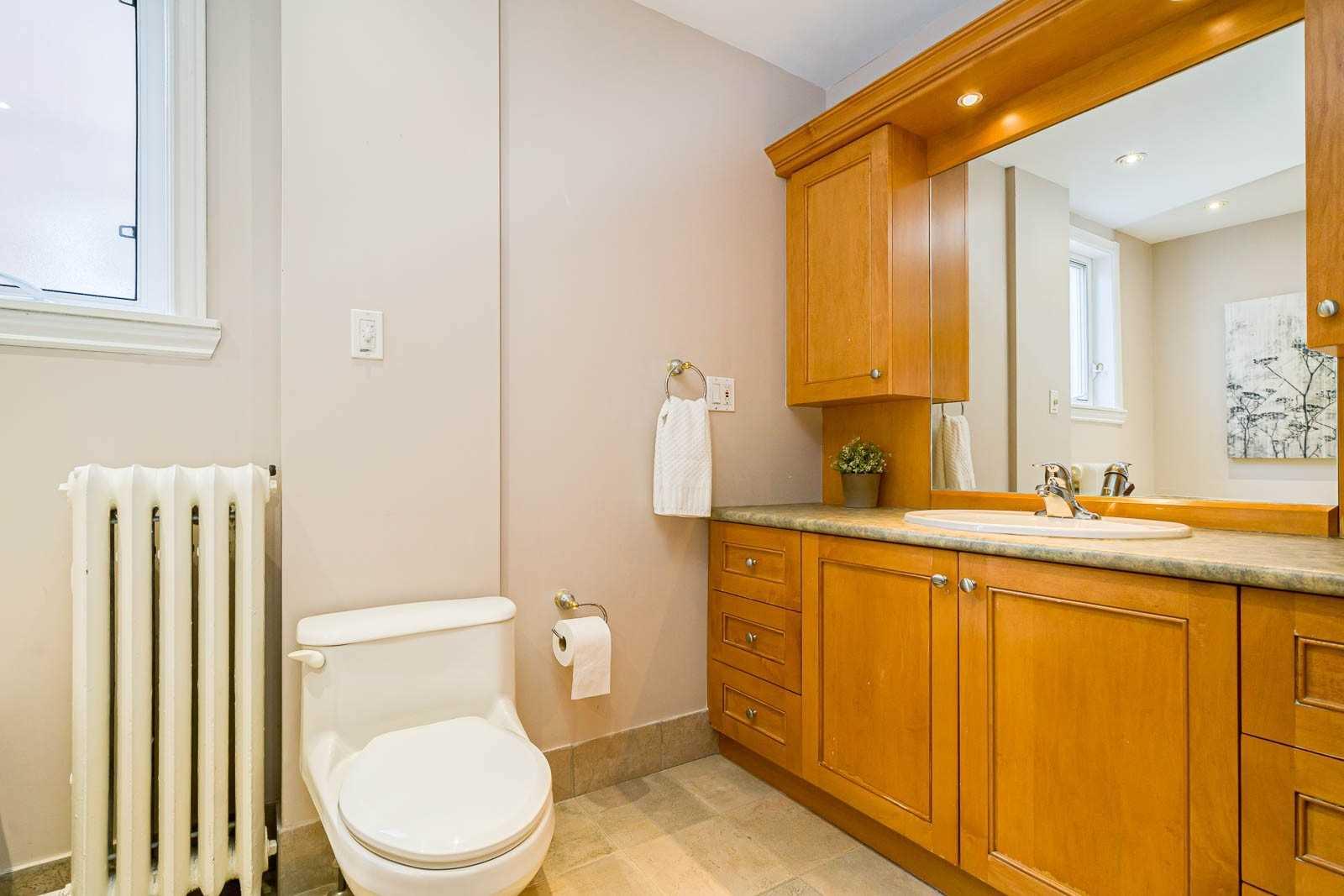 286 Wolverleigh Blvd, Toronto E4594950