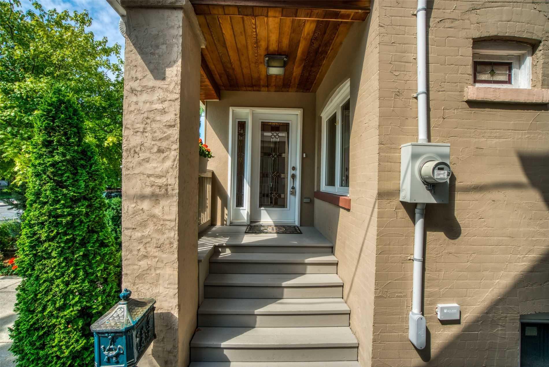 68 Mortimer Ave, Toronto E4601806