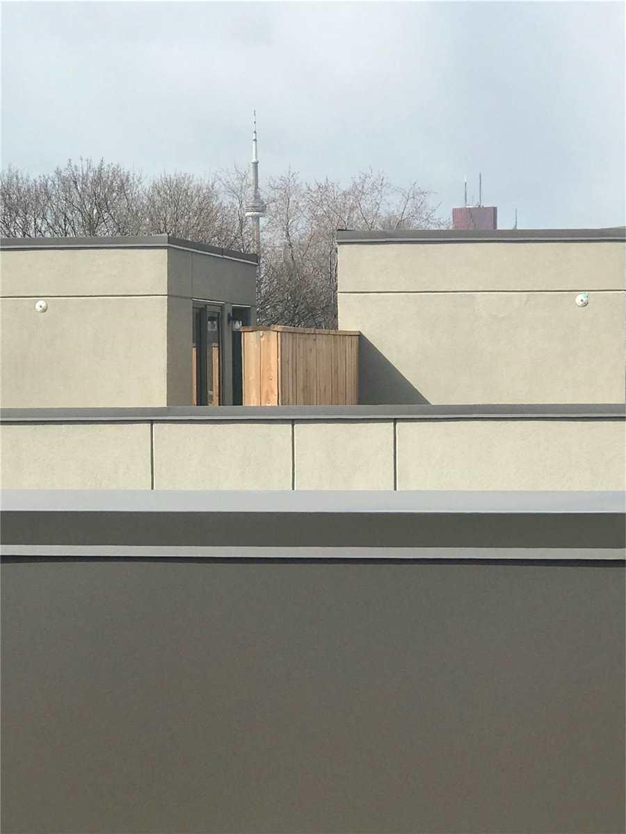 #209 - 54 Curzon St W, Toronto E4619015