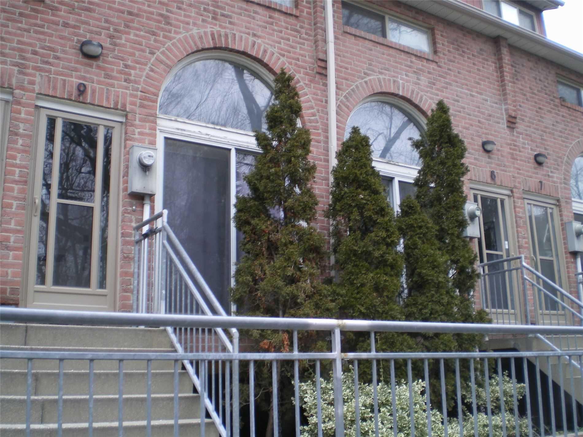 #9 - 32 Curzon St, Toronto E4625656
