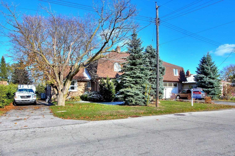 11 Amiens Rd, Toronto E4631372